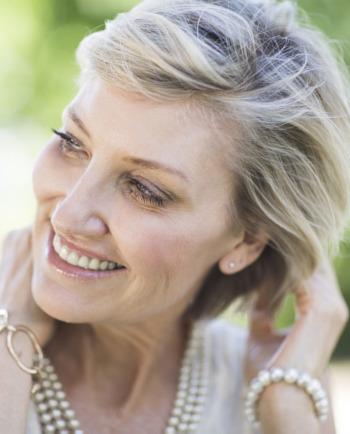 Ключови съставки за подобряване на тънката коса след менопаузата