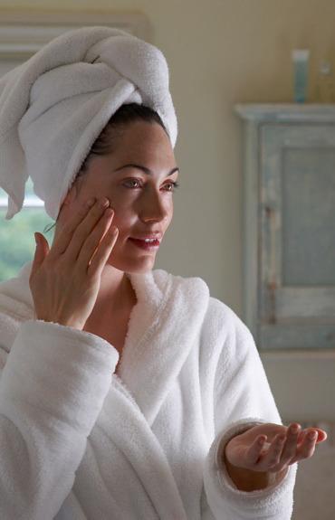 Дали хидратацията е новото решение против стареене на кожата?
