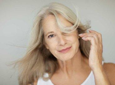 Горещи вълни по време на менопауза: причини, симптоми и как да се справим с тях?