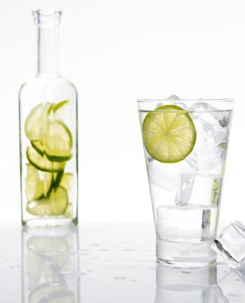 Как редовно да пием 2 литра вода на ден