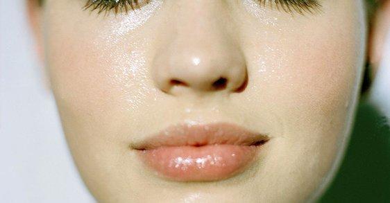 Как да хидратирате по най-добрия начин чувствителна дехидратирана кожа?